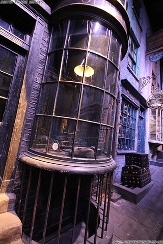 A magical photo of an enchanting day for Ravenclaw house member Dean Thorpe, exploring the London Harry Potter Studio Tour, where you get to see the Making of Harry Potter.